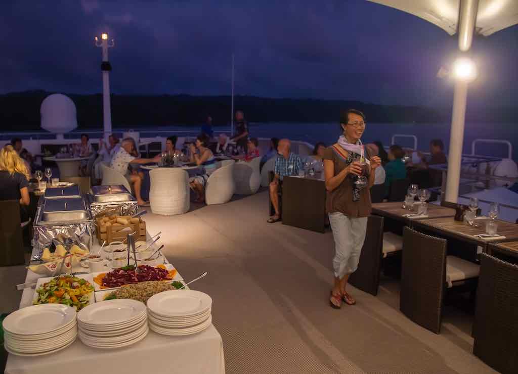 Coral Discoverer al fresco dining top deck