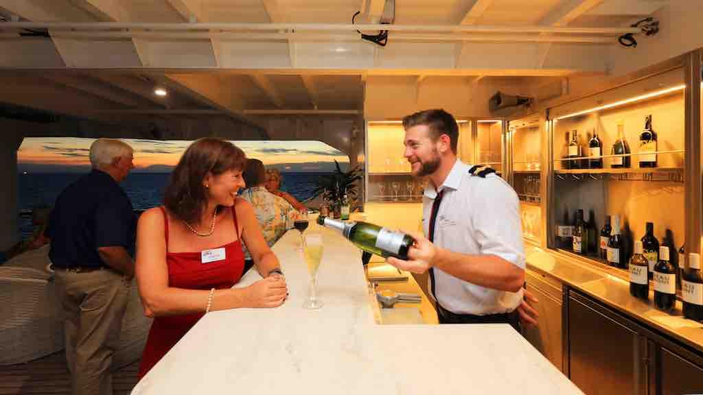 Drinks bar Coral Discoverer